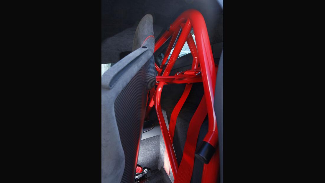 Audi R8 GT, Überrollkäfig