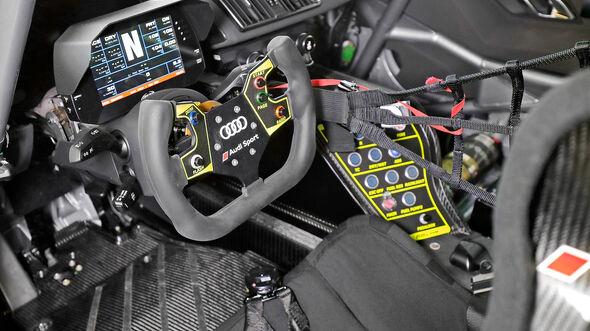 Audi R8 LMS GT4, Interieur