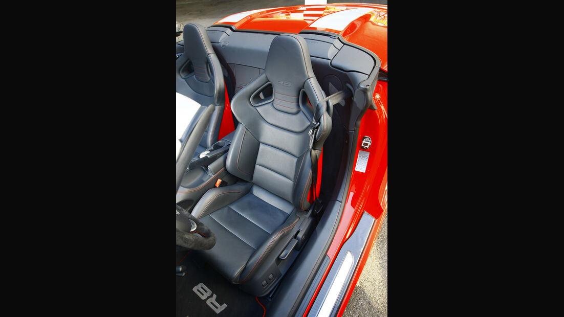 Audi R8 Spyder 5.2 FSI quattro Fahrersitz