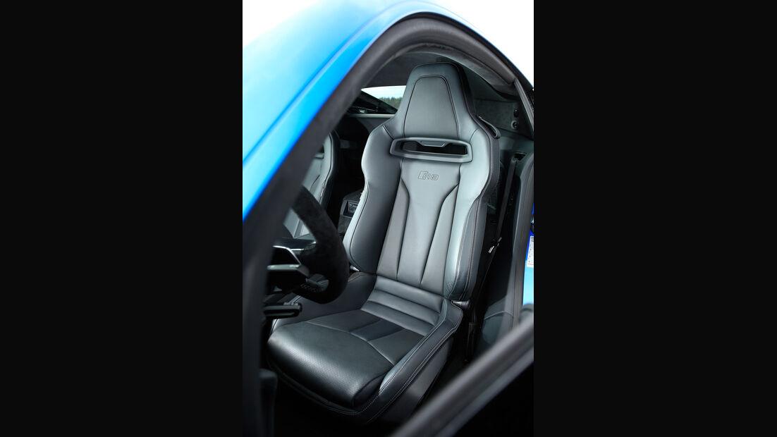 Audi R8 V10, Audi R8 5.2 FSI Quattro, Fahrersitz