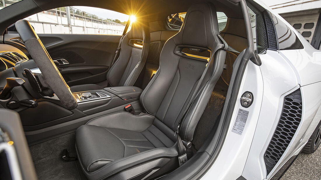 Audi R8 V10 RWD, Interieur