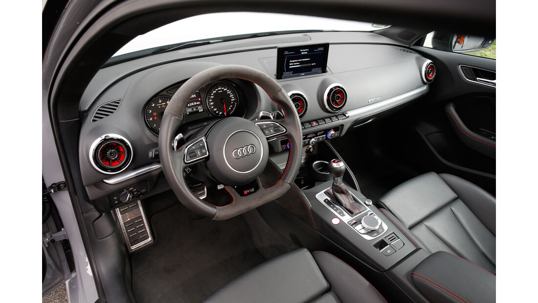 Audi RS 3 Sportback, Cockpit