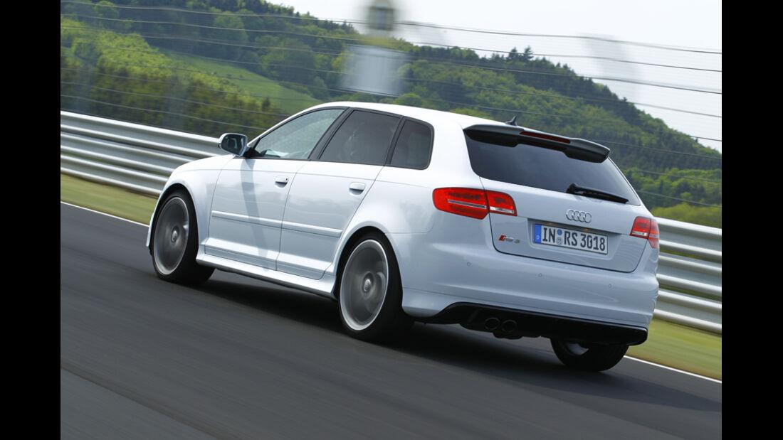 Audi RS 3 Sportback, Seitenansicht, Kurvenfahrt