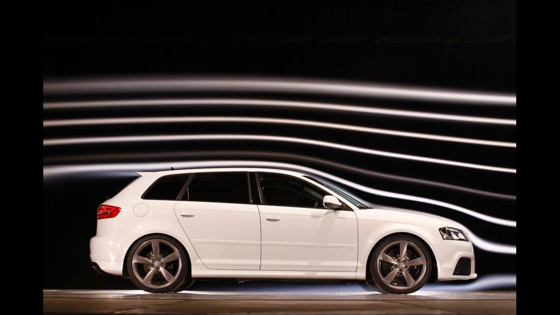 Audi RS 3 Sportback, Seitenansicht, Windkanal
