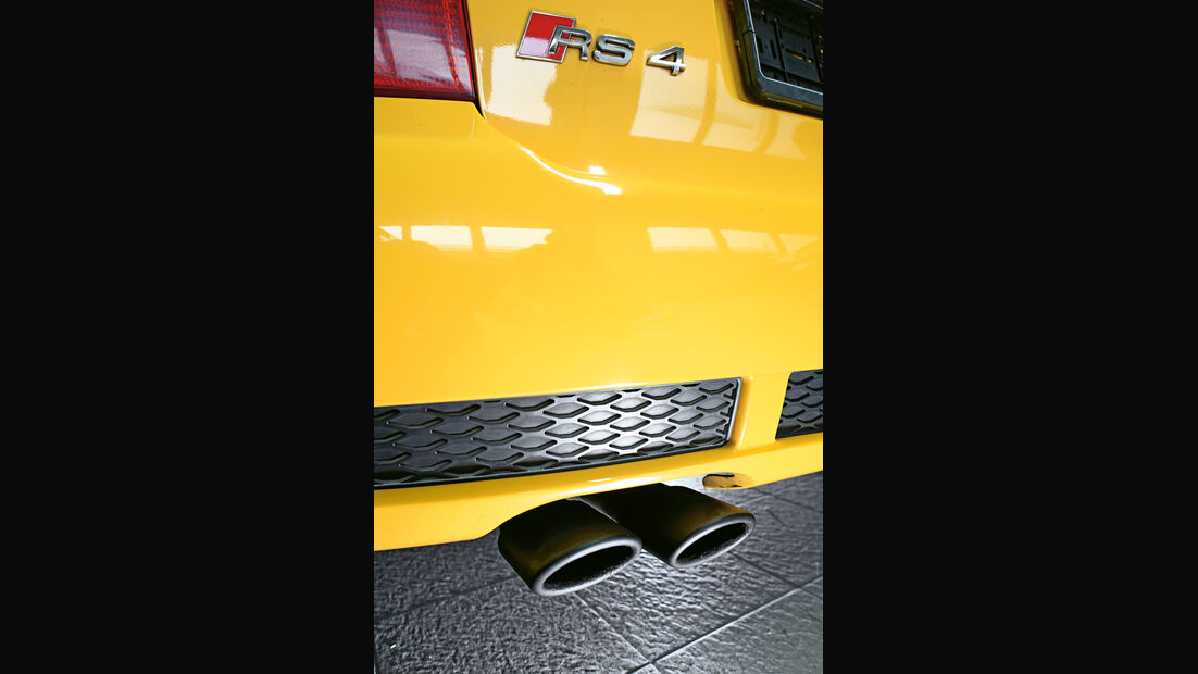 Audi RS 4, Auspuff, Endrohre
