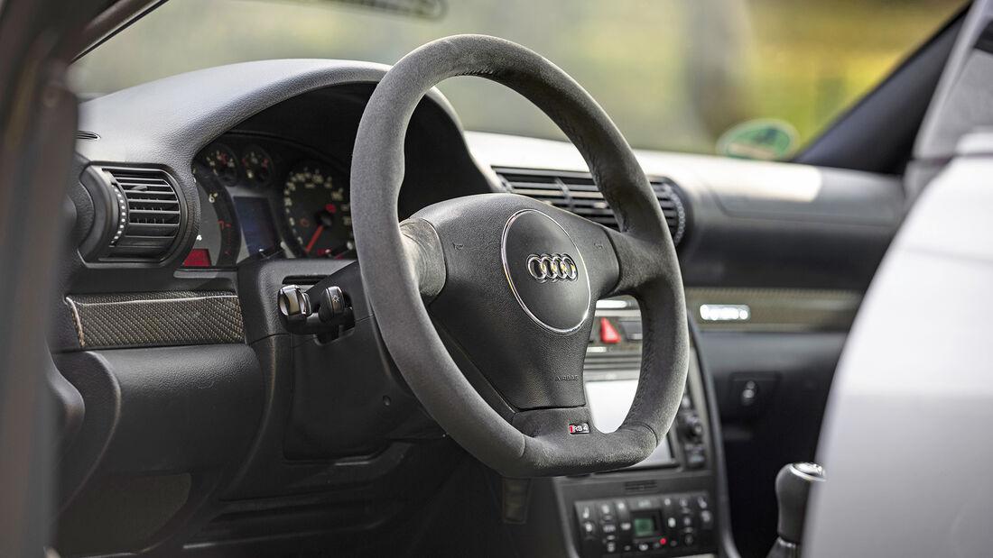 Audi RS 4 (B5), Interieur