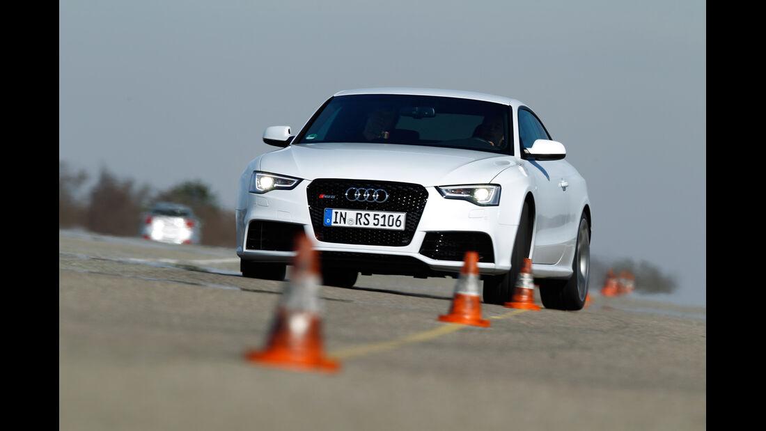 Audi RS 5 Coupé, Frontansicht, Slalom