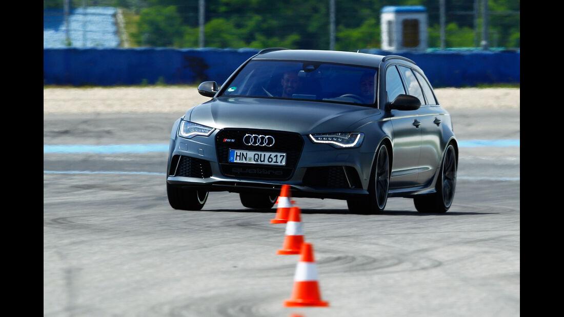 Audi RS 6 Avant, Frontansicht, Slalom