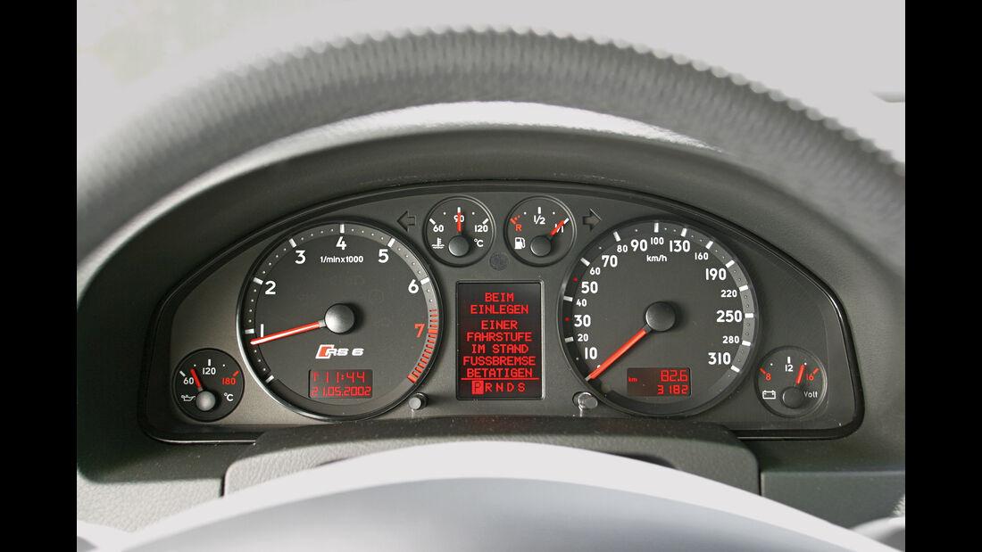 Audi RS 6, Rundinstrumente