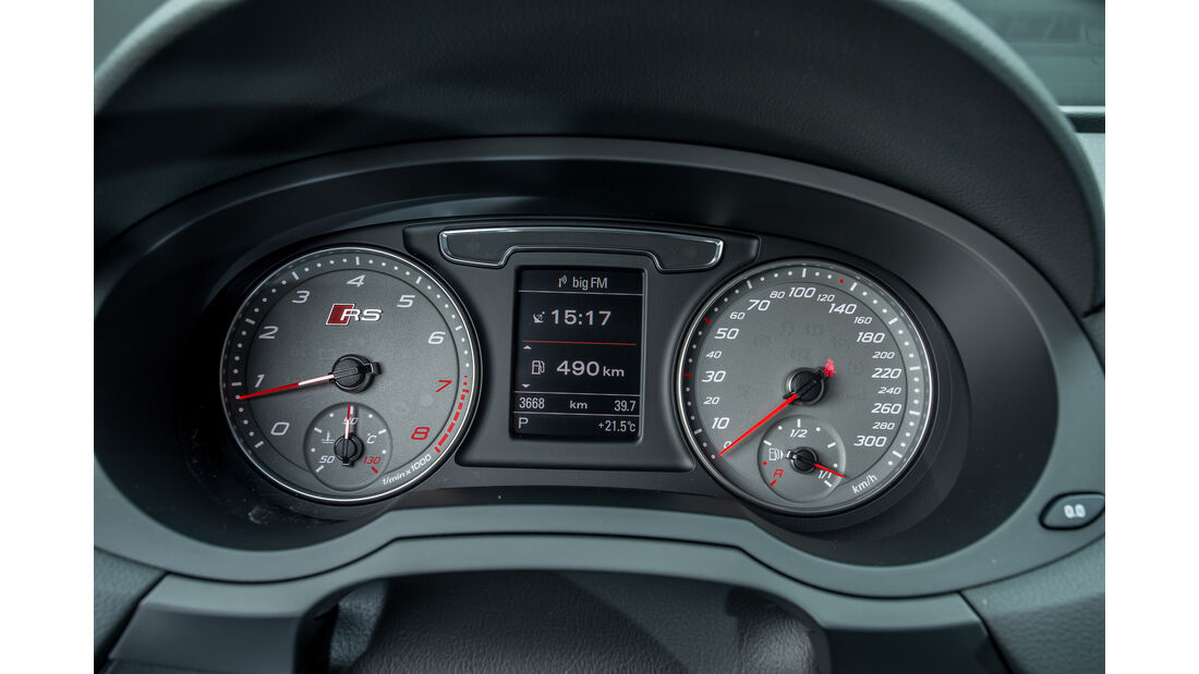 Audi RS Q3 Performance, Rundinstrumente