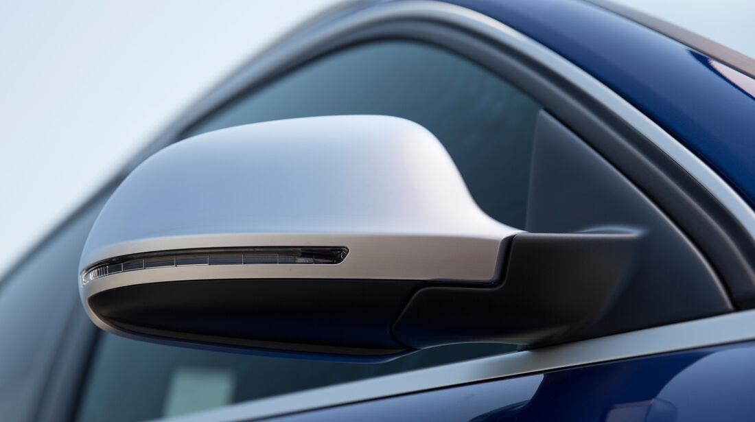 Audi RS Q3, Seitenspieleg