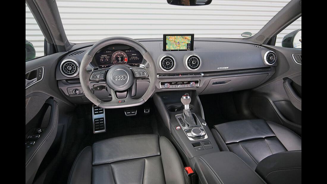 Audi RS3, Interieur