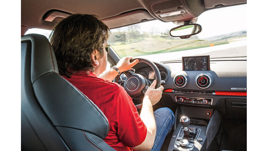 Audi RS3 Sportback 2015, Cockpit
