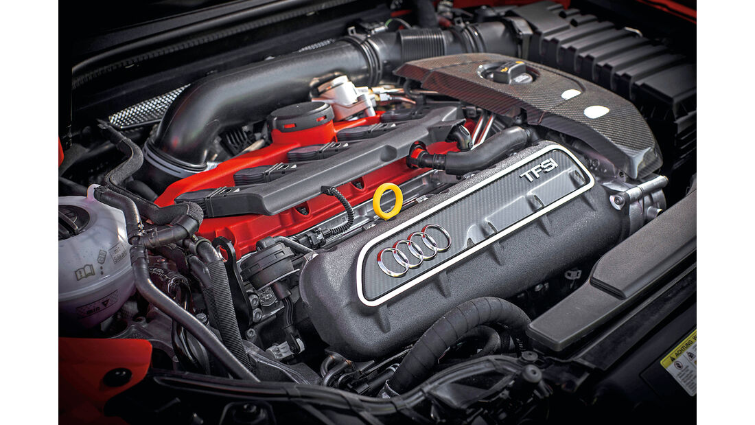 Audi RS3 Sportback 2015, Motor
