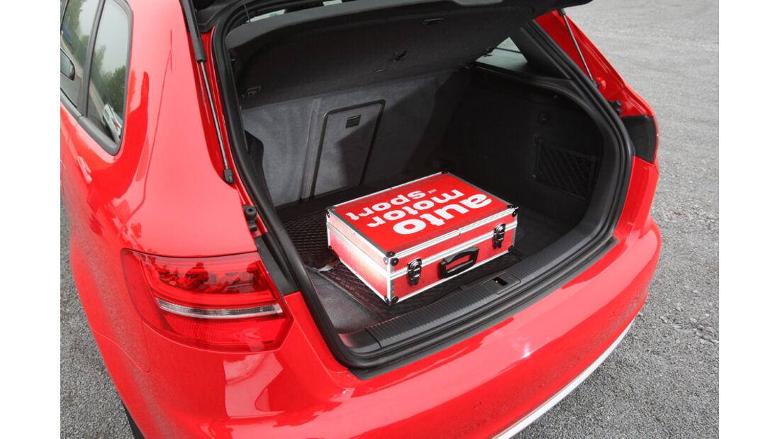 Audi RS3 Sportback, Kofferraum, Tasche