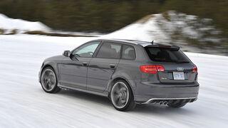 Audi RS3 Sportback, Schnee, sport auto-Zeitschrift 02/2011