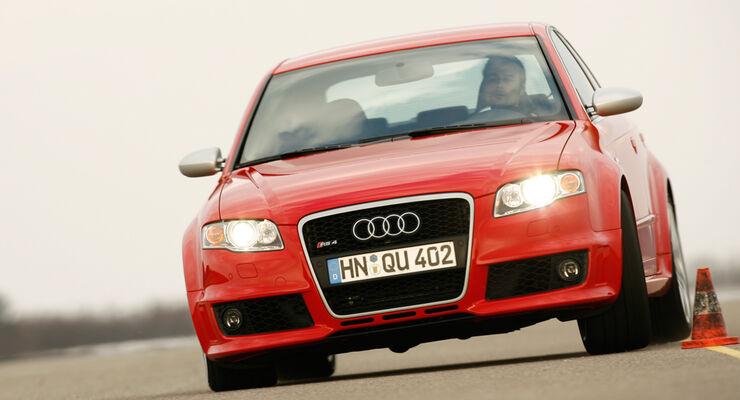 Audi RS4 01