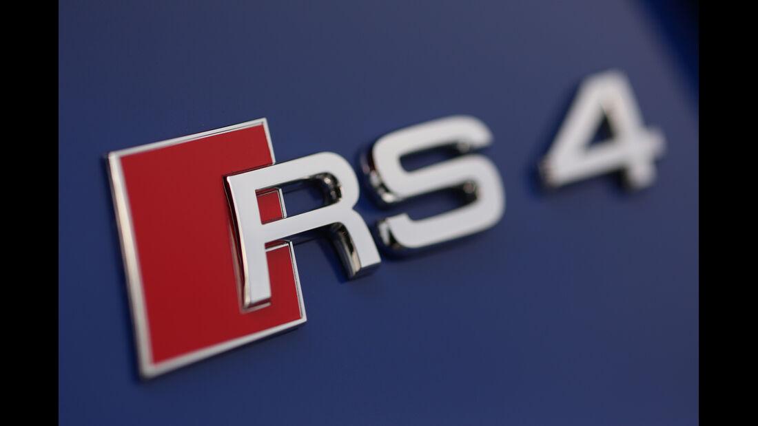Audi RS4 Avant, Emblem