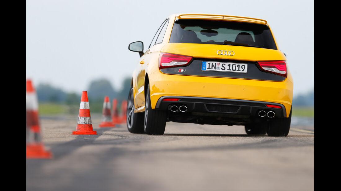 Audi S1, Heckansicht, Slalom
