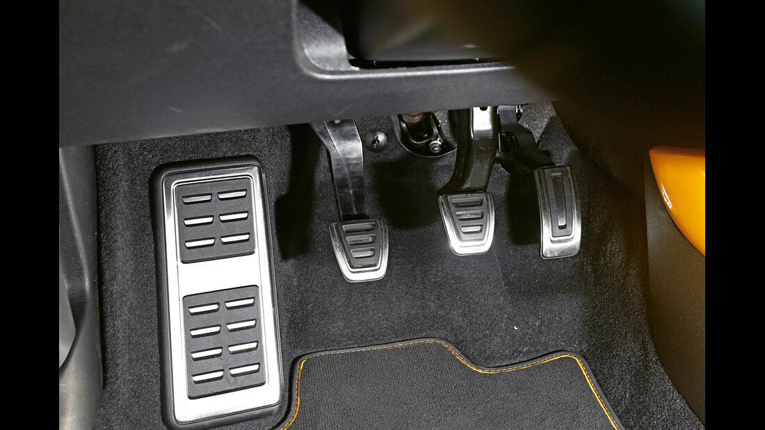 Audi S1, Pedalerie