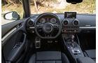 Audi S3 2.0 TFSI Quattro S tronic, Cockpit