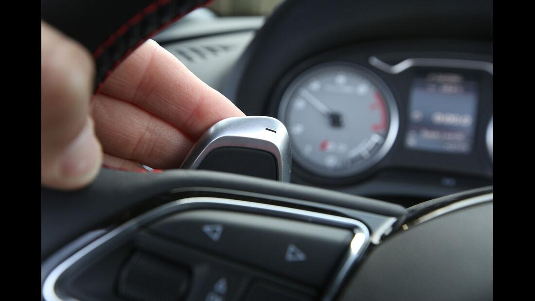 Audi S3 Cabrio, Schaltwippe