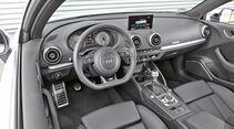 Audi S3. Cockpit
