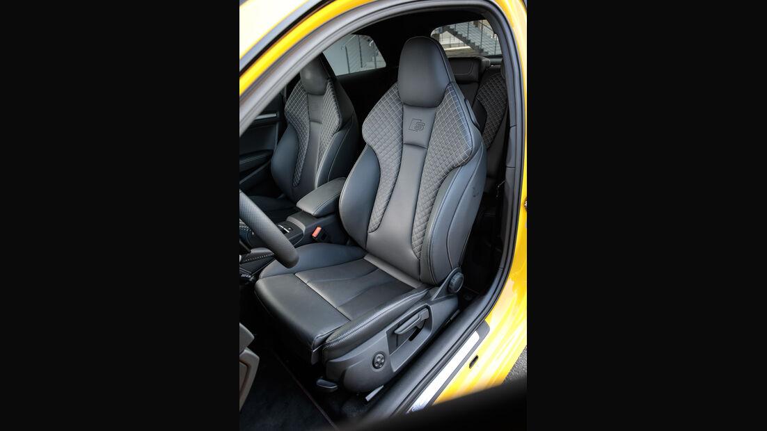 Audi S3, Fahrersitz