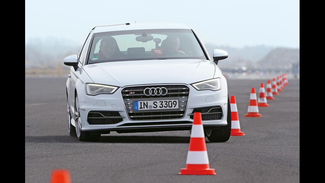 Audi S3, Frontansicht, Slalom