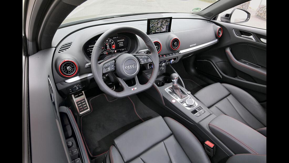 Audi S3 Limousine 2.0 TFSI Quattro, Cockpit
