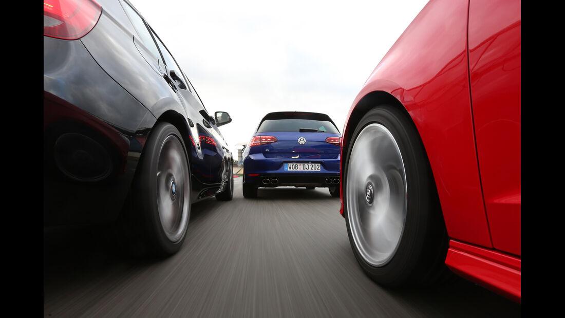 Audi S3 Sportback, BMW M135i xDrive, VW Golf R, Heckansicht
