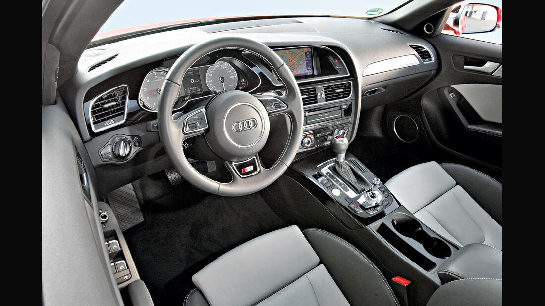 Audi S4 3.0 TFSI, Cockpit, Lenkrad
