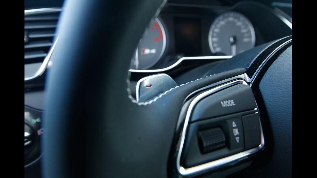 Audi S4 3.0 TFSI, Lenkradschalter