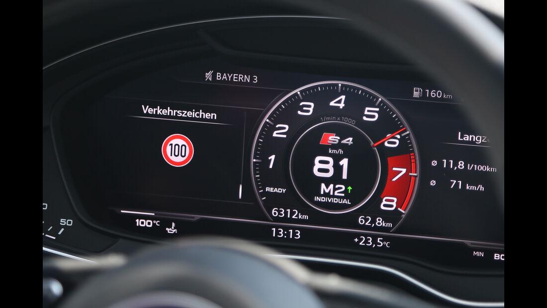 Audi S4 Avant, Anzeigeinstrumente