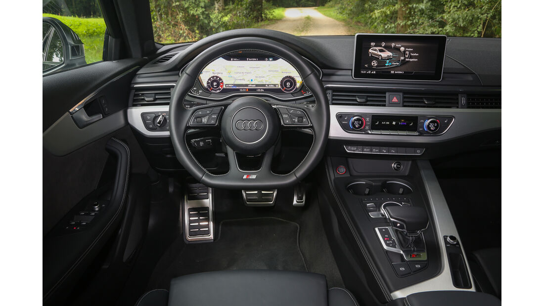Audi S4 Avant, Cockpit