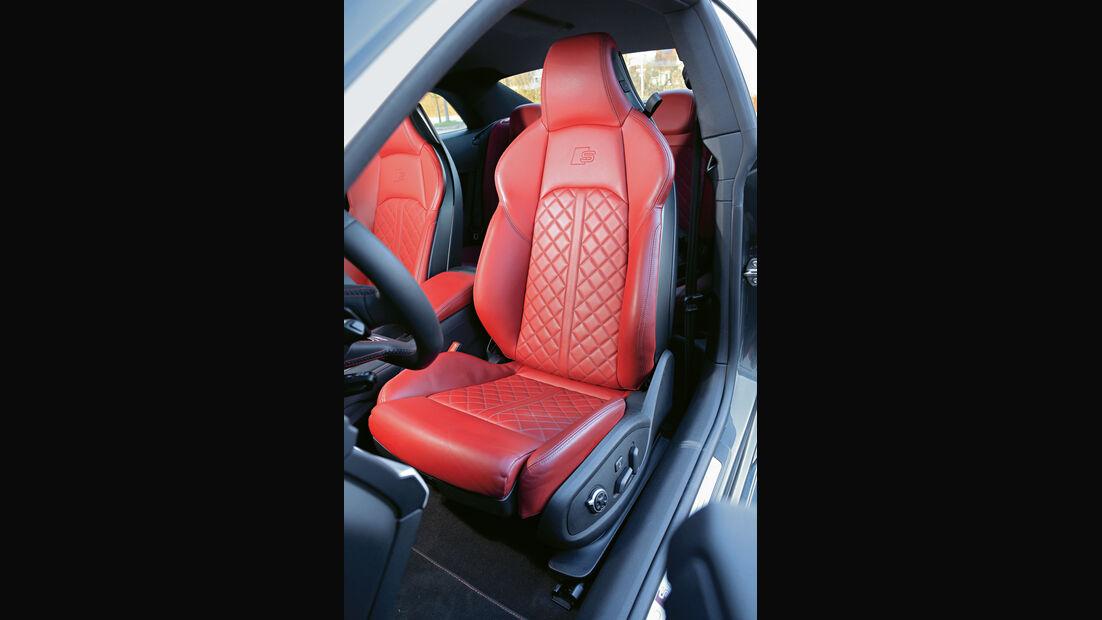 Audi S5, Sitz