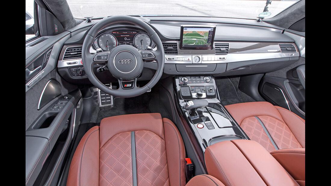Audi S8, Cockpit