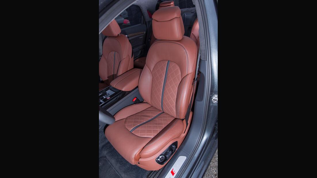 Audi S8, Fahrersitz