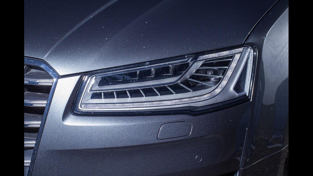 Audi S8, Frontscheinwerfer