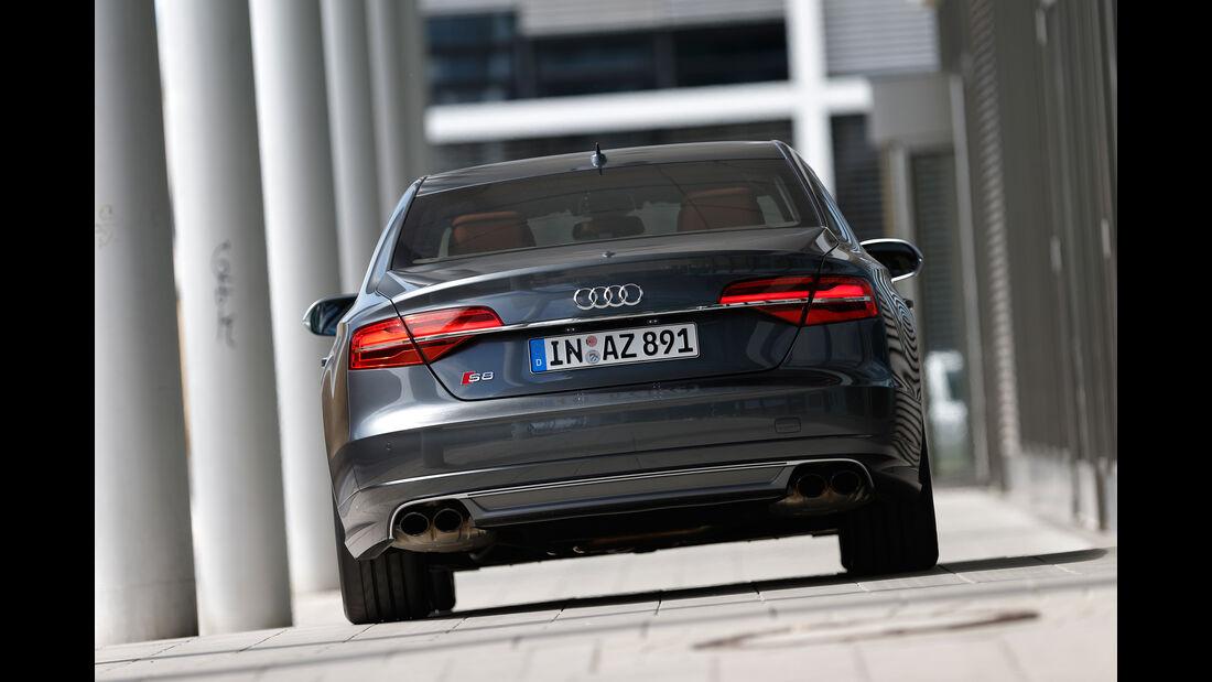 Audi S8, Heckansicht