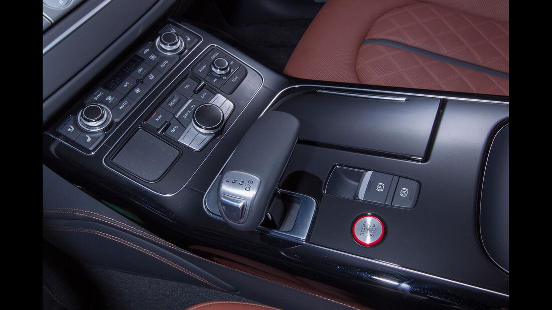 Audi S8, Mittelkonsole