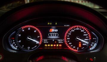 Audi S8 Plus 4.0 TFSI Quattro, Rundinstrumente