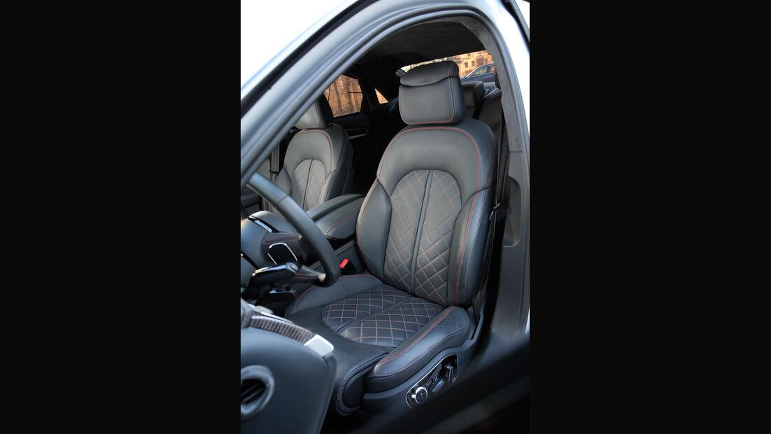 Audi S8 Plus, Fahrersitz