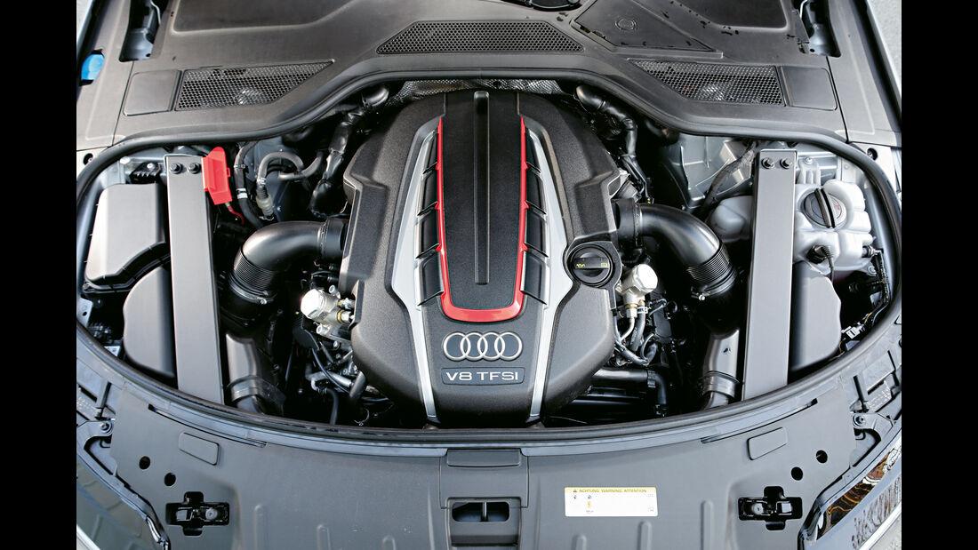 Audi S8 Plus, Motor
