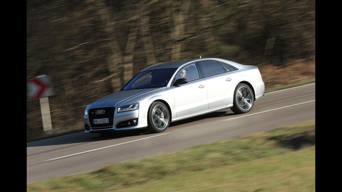 Audi S8 Plus, Seitenansicht