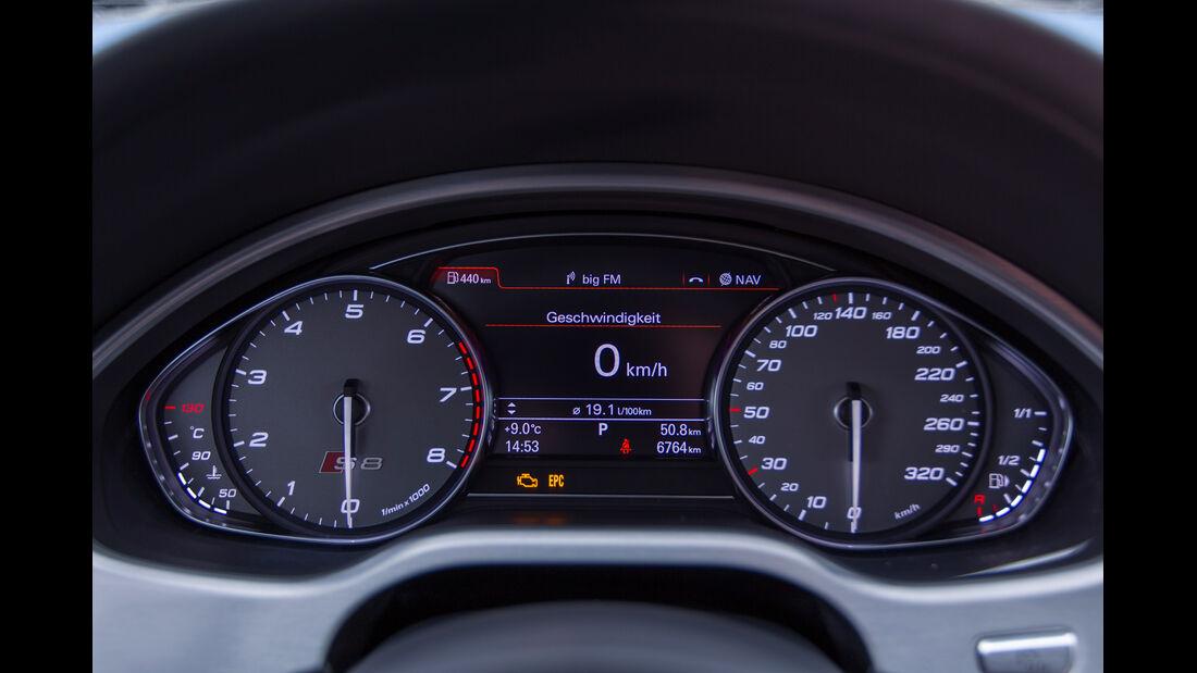 Audi S8, Rundinstrumente