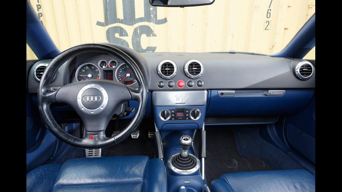 Audi TT 1.8 T Quattro, Cockpit