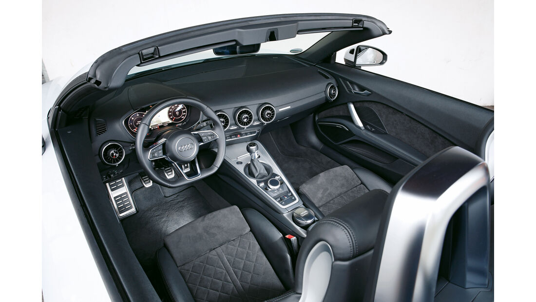 Audi TT 2.0 TDI Ultra, Cockpit