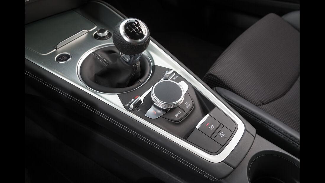 Audi TT 2.0 TFSI, Mittelkonsole, Schalthebel