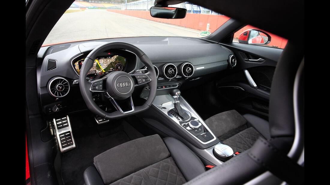Audi TT 2.0 TFSI Quattro, Cockpit